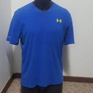 Under Armour loose fit shirt.